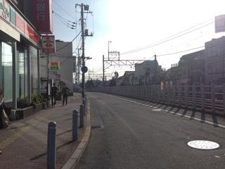 線路沿い.JPG